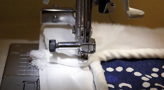maquina de coser funda de almohadon de telas para sillon