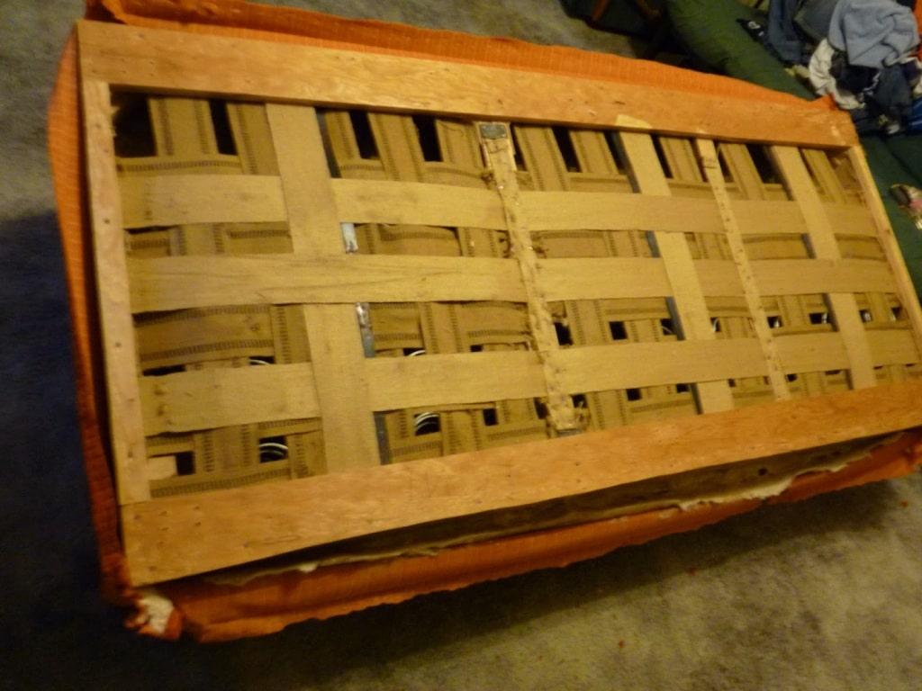parte de inferior de sillón para tapizar desarmado