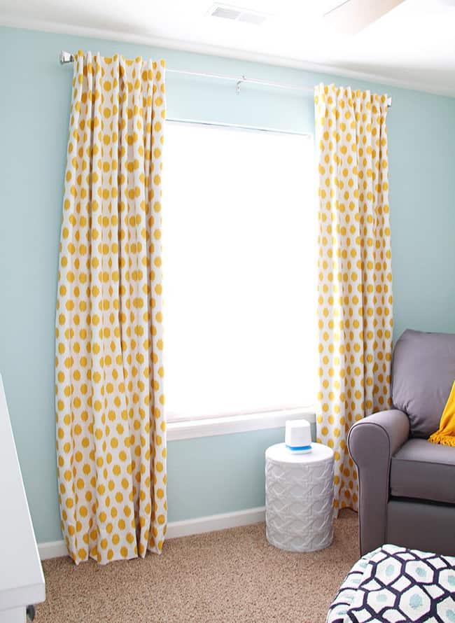 C mo hacer cortinas y calcular la tela necesaria for Como poner ganchos de cortinas