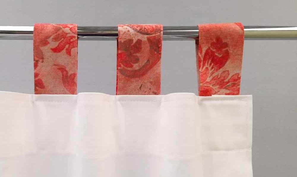 como hacer cortinas con tela con sujeción de aros