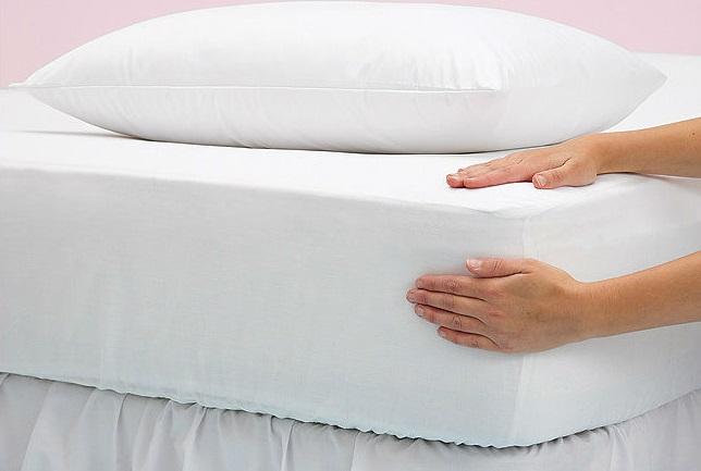 Cómo hacer una sábana ajustable de colchón