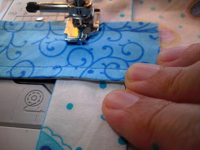 costura de tiras de tela a la bolsa