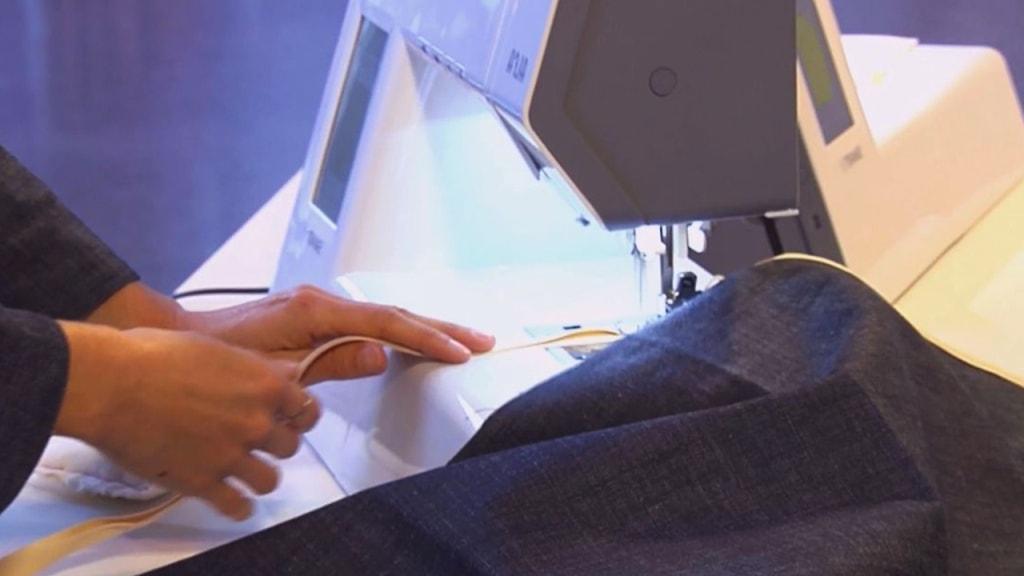 costura cinta de bies al delantal