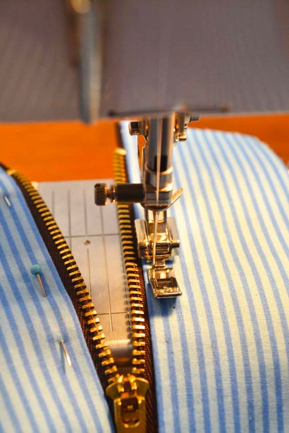 costura de cierre y tela para cartuchera