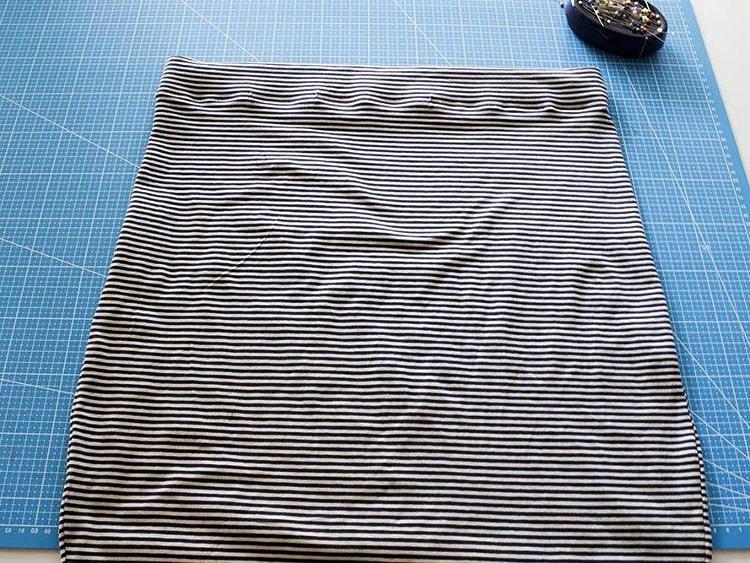 terminación de dobladillo superior para falda de tela