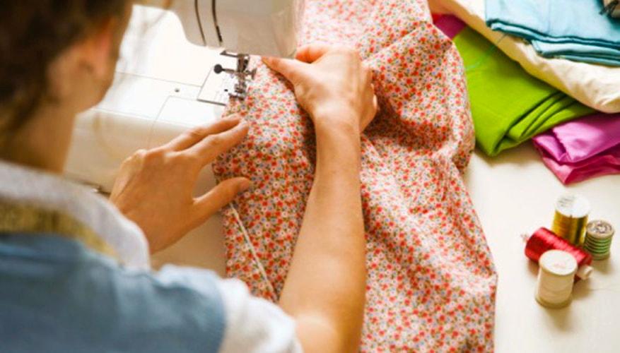 costura de tela para almohadón de embaraza