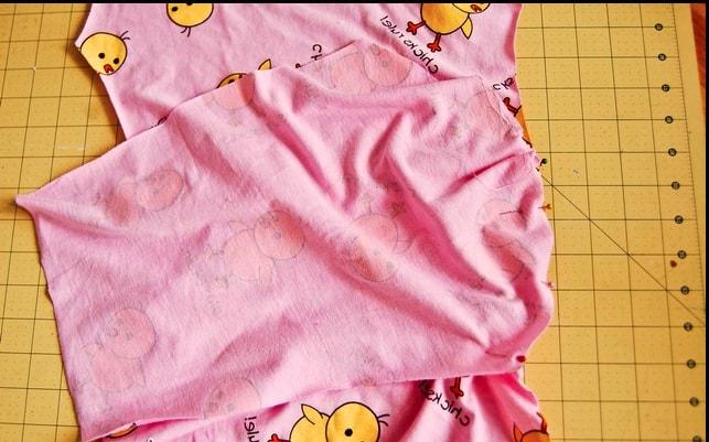 unión de parte superior e inferior para pijama de tela