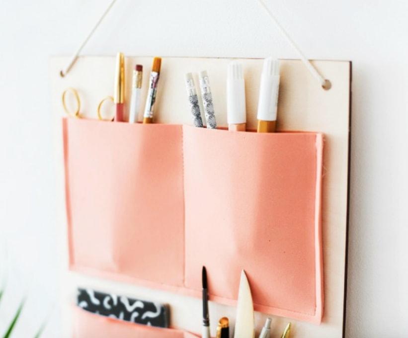 Cómo hacer un organizador de pared con tela