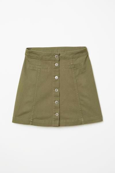 Cómo hacer una falda con botones.