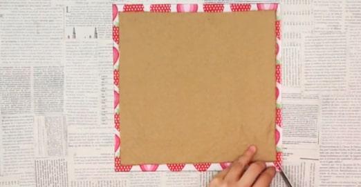 corte las esquinas de la tela externas para porta pasaporte