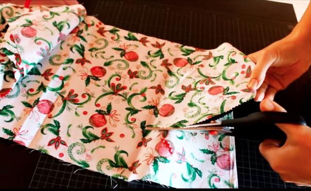 corte de tela para adorno navideño