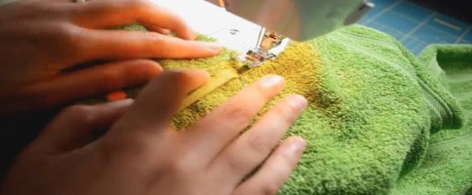 costura de tela de capucha a la toalla