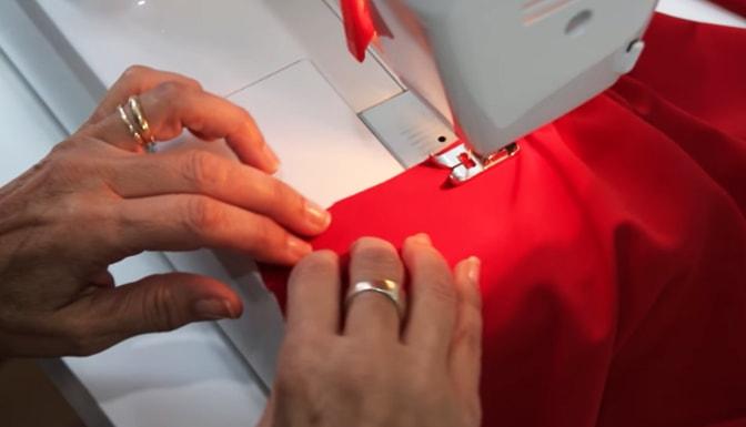 fruncido de tela de la parte baja de la manga