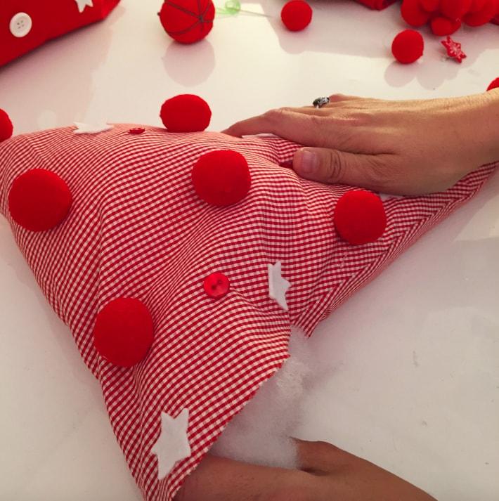 relleno de triangulos de tela para arbol