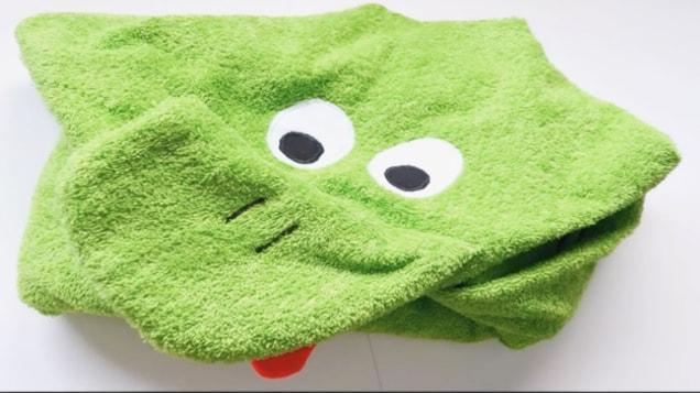 toalla con capucha de sapo terminada