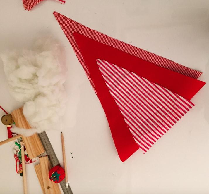 presentación de triangulos de tela para arbol