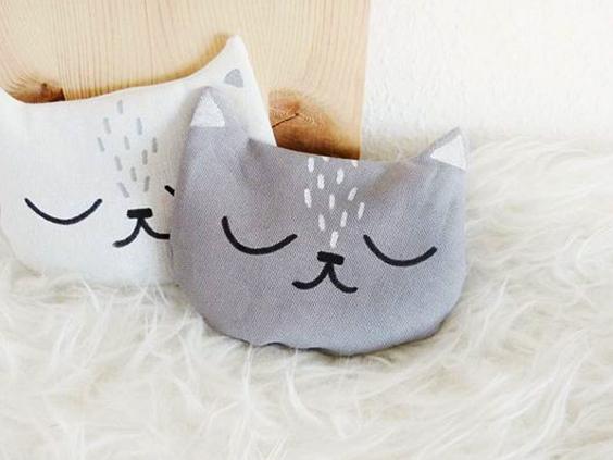 Cómo hacer un almohadón en forma de gato.