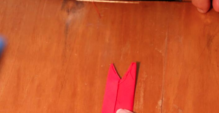 corte de la cinta del cuello para vestido de tela