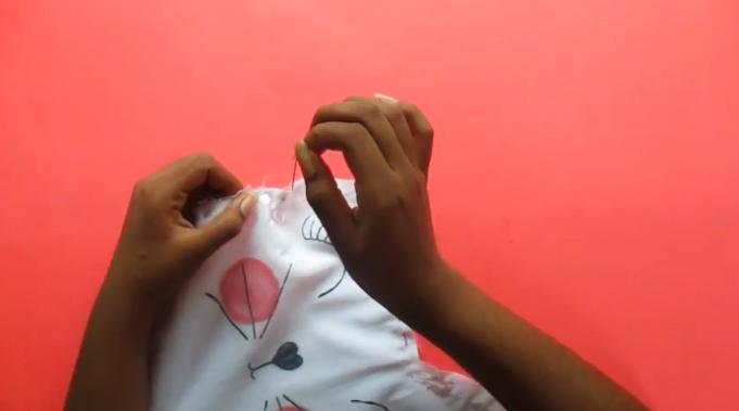 costura de telas para almohadón de gato