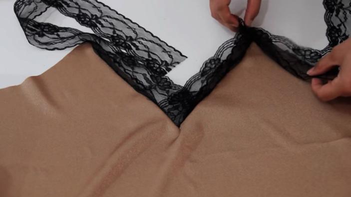 primera parte para picos de la parte superior del escote de blusa lencera de tela
