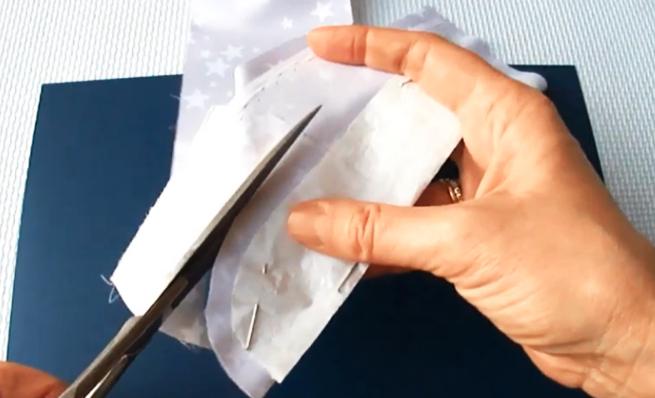 corte de patrón en tela para percha decorada