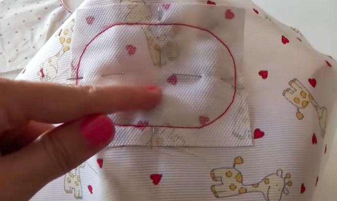 costura de telas para el compartimiento de toallitas para bolsa