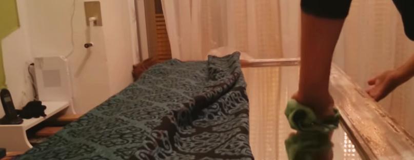 limpieza de pegamento para marco de espejo con tela