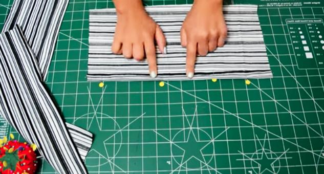 preparado de primer rectángulo de tela para organizador de zapatos