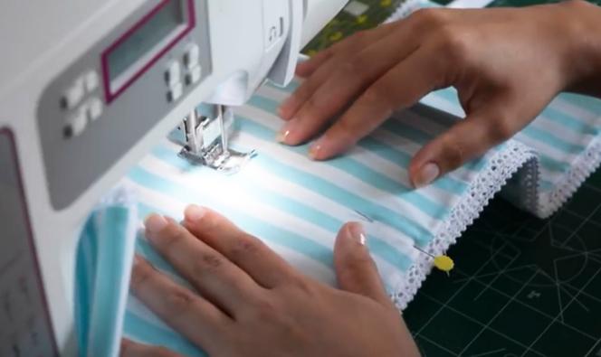 costura de compartimientos para porta rollo de tela