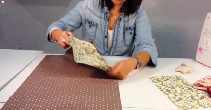 primer giro de tela para funda de máquina de coser