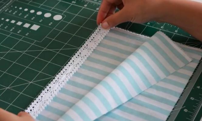 primera unión de encaje con telas para porta rollo