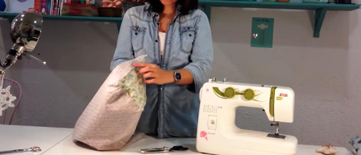 repetición de pasos para funda de tela para máquina de coser