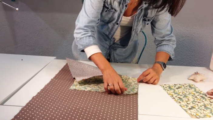 unión de telas luego de giro para funda de máquina de coser