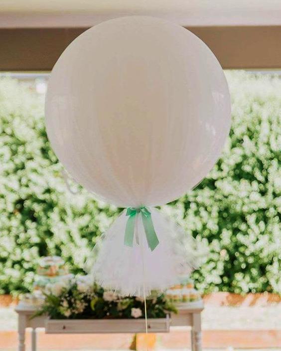 Cómo decorar un globo con tela.