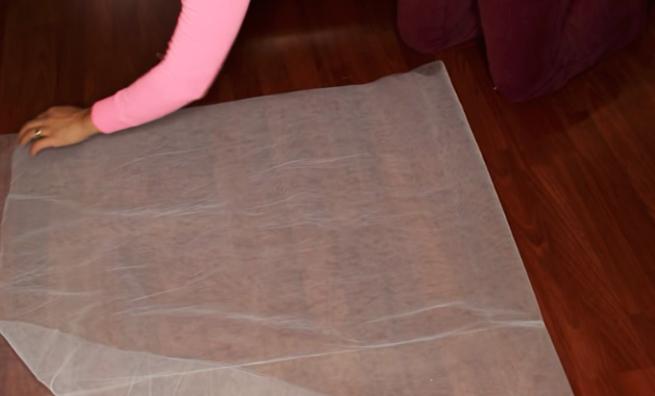 marcado y corte de tela para decoración de globo