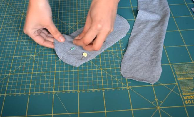 unión de telas de parte trasera y talón para medias