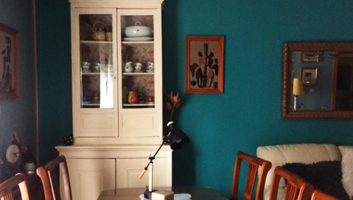 mueble restaurado con tela terminado