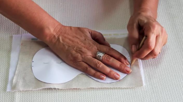colocación y marcado de patrón para antifaz de tela