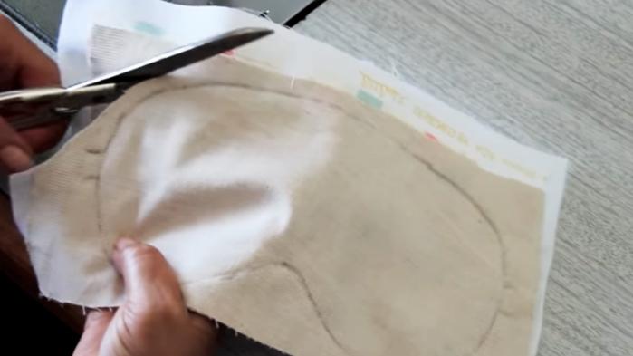corte de piezas excedentes para antifaz de tela