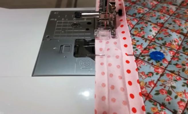 costura de cinta de bies a tela para apoya pava