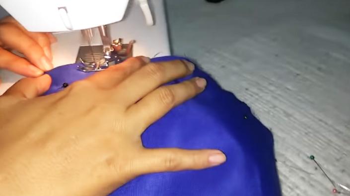 costura de tela y huata para agarraderas de heladera