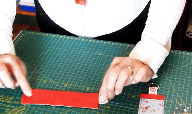 costura de telas para llavero