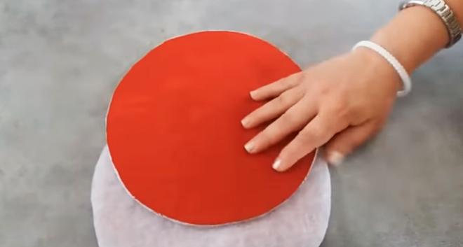 pegado de relleno a tela del primer patrón para apoya