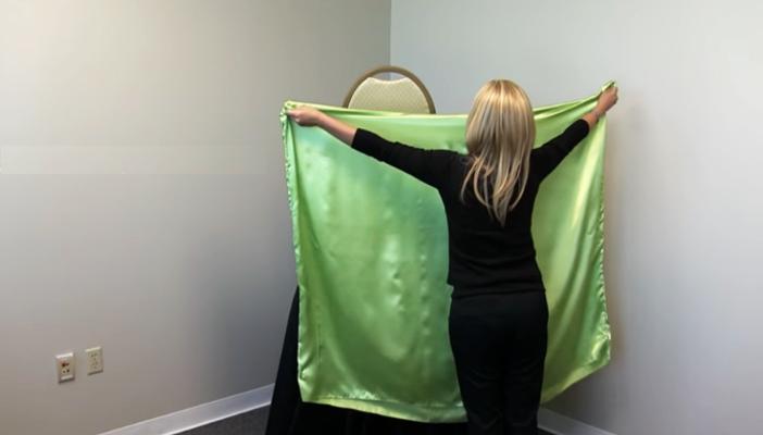 preparación de tela para colocación en silla