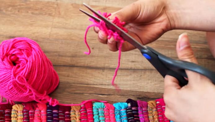 corte de pompon para almohadón de tela en forma de cactus