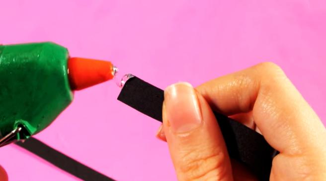 pegado de goma eva para funda de tela para celular con forma de lápiz