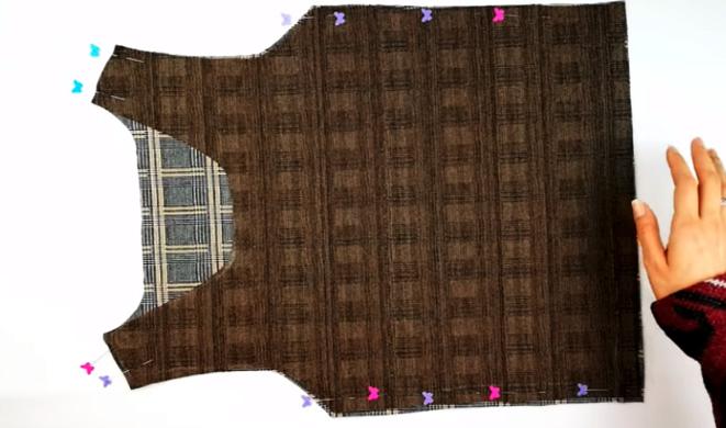 unión de piezas de tela para top