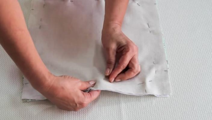 alfileriado de unión de telas y fieltro para panera