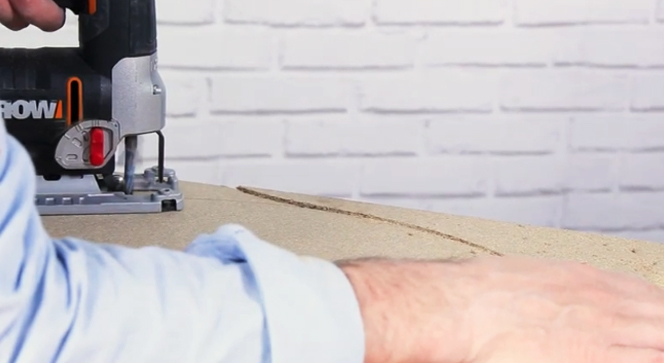 corte de madera para puff de tela