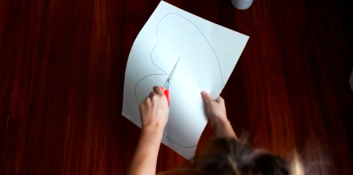 dibujo de patrón en cartulina para alfombra de tela en forma de mariposa